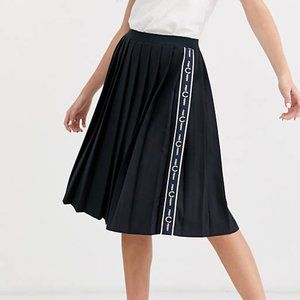 FRED PERRY Pleated Side Tape Skirt